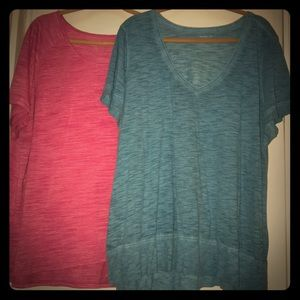 Pair of Avenue Lane Bryant T-shirt size 20/22